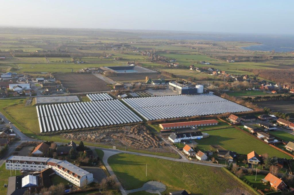 33,000 m2 solar thermal system at Marstal, DK